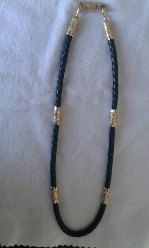 Кожаный шнур с серебряными перемычками
