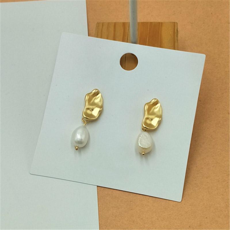 Стильная пара сережек золото и жемчуг