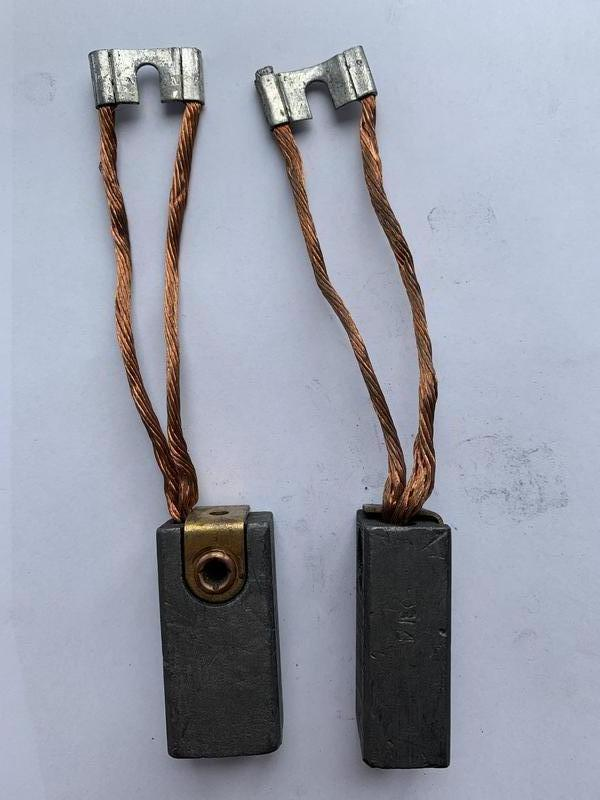 Щетки графитовые ЭГ4 22х30х60 к1-7