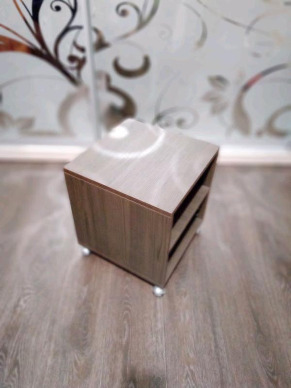 Мобильный столик тумба на роликах