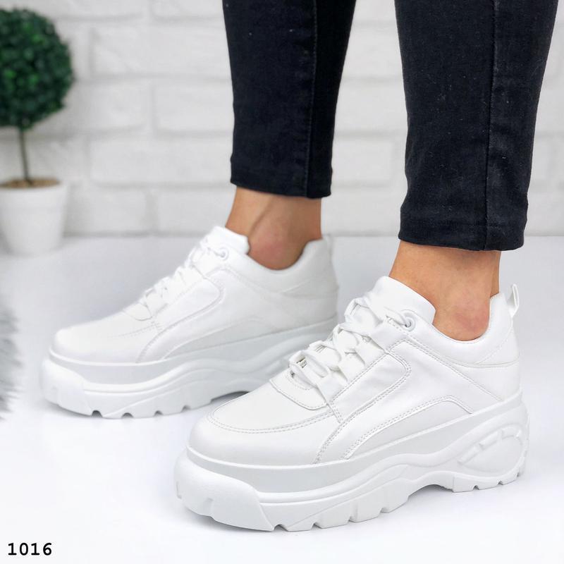 Стильные белые кроссовки на платформе - Фото 4