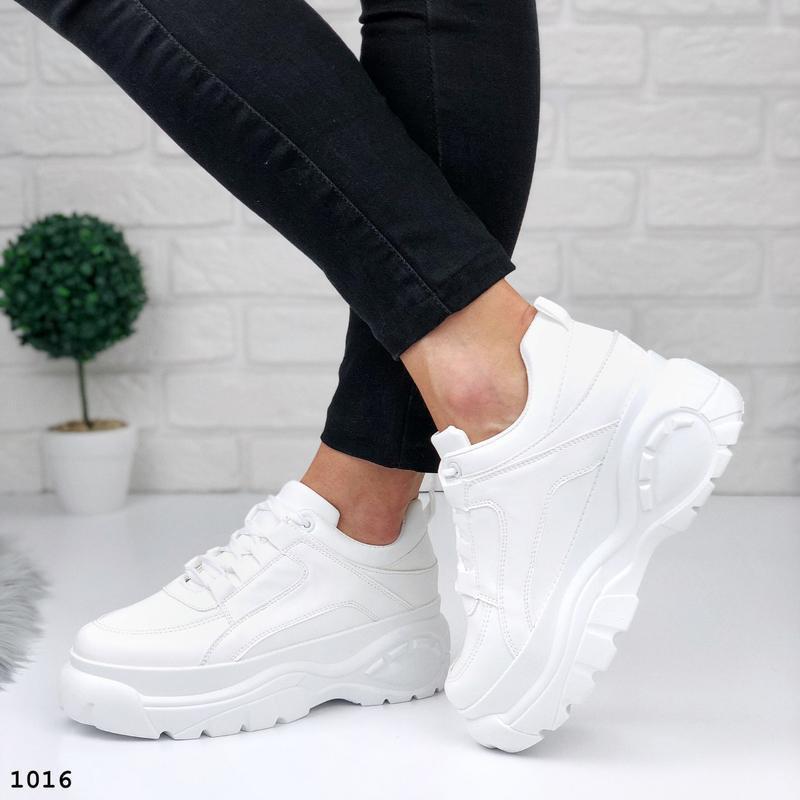 Стильные белые кроссовки на платформе - Фото 5