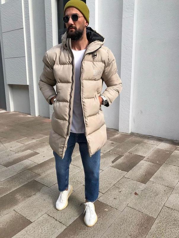 Мужская зимняя куртка бежевого цвета