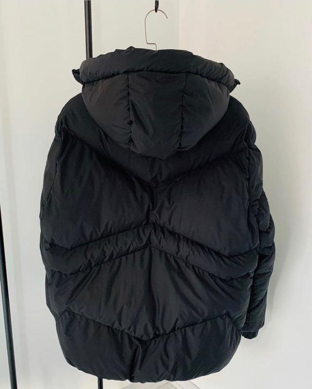 Мужская зимняя куртка черного цвета - Фото 4