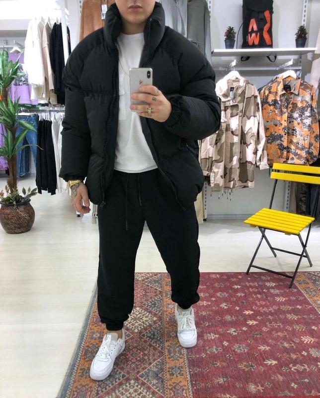 Мужская зимняя куртка черного цвета - Фото 3
