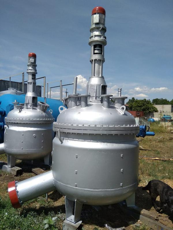 Реактор из нержавеющей стали 2,5м3. реактор нержавейка  3,2м3.