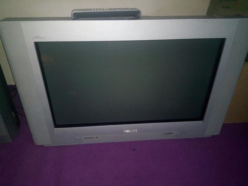 Телевизор Philips 32дюйма