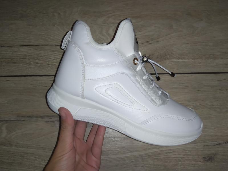 Спортивные ботинки  женские деми осень кроссовки высокие