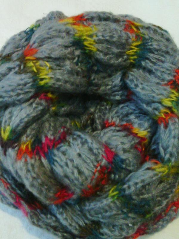 Круговой шарф снуд серый с яркой нитью
