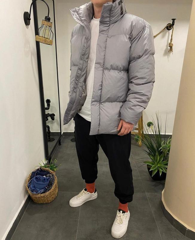 Мужская зимняя куртка оверсайз серого цвета