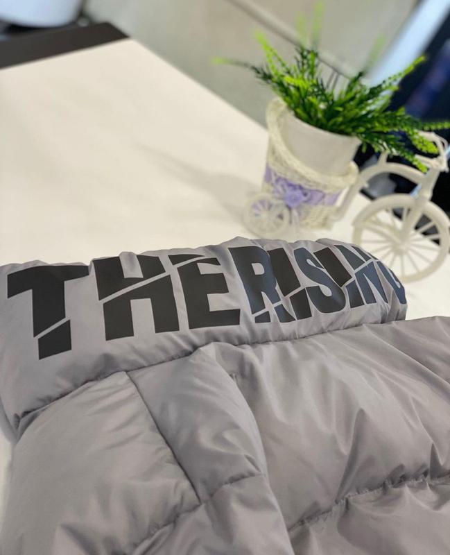 Мужская зимняя куртка оверсайз серого цвета - Фото 2