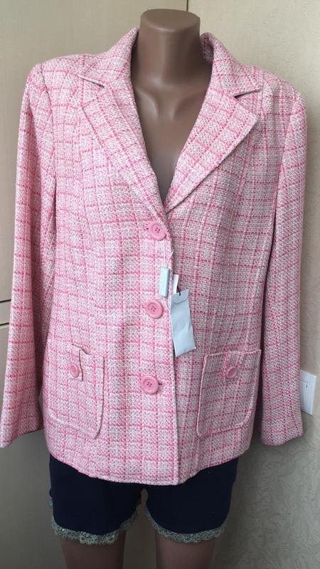 Пиджак розовый в клеточку