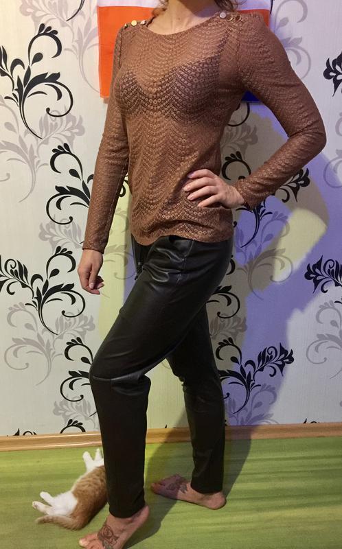 Красивая нарядная кофточка блуза