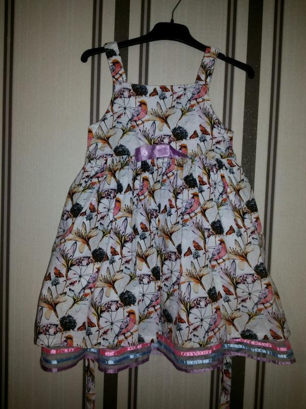 Красивое нарядное платье sela (3-5 лет)