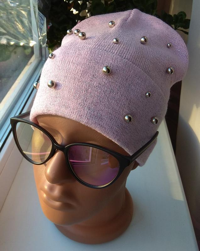 Красивая осенняя шапочка с люрексом и бусинами бини, розовая п...