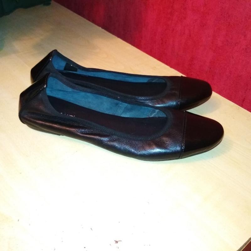 Кожаные туфли в состоянии новых