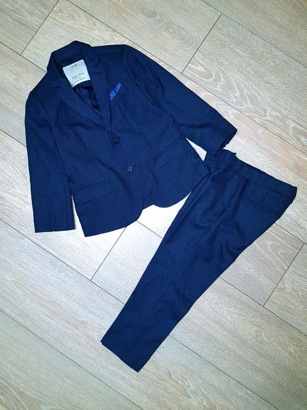 Классический костюм на 4-5 лет. Фирма Zara.