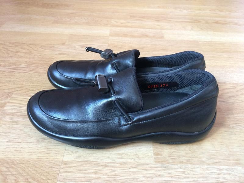 Кожаные туфли мокасины prada оригинал 37,5 размера в идеальном...