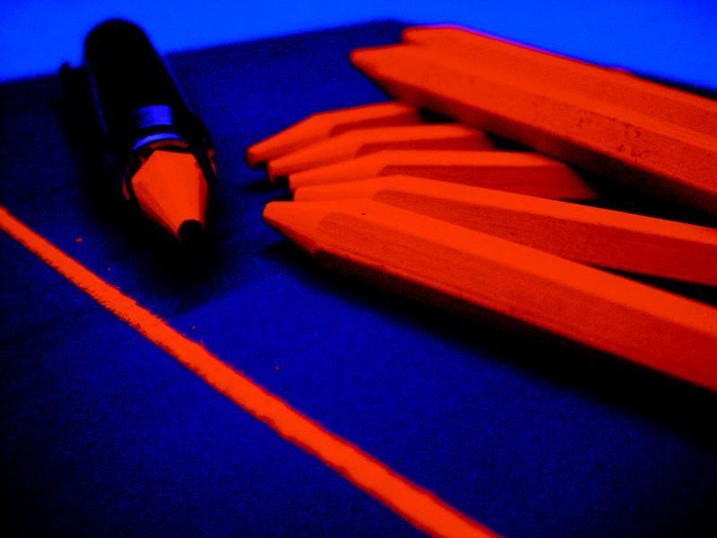 Флуоресцентна крейда для оптичного зчитування