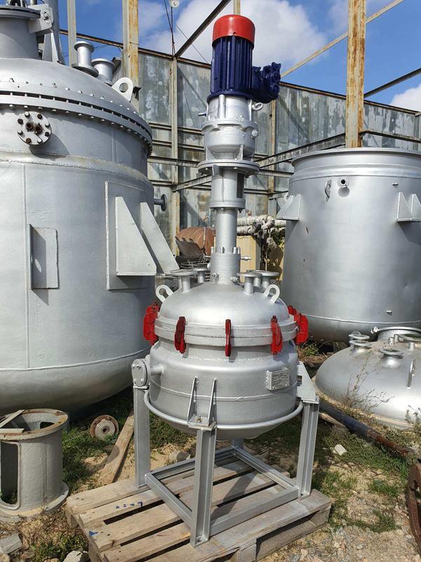 Реактор из нержавеющей стали 250 литров. Емкости биметалл 50м3.