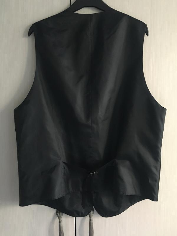 Классическая мужская жилетка костюмная чёрная - Фото 2