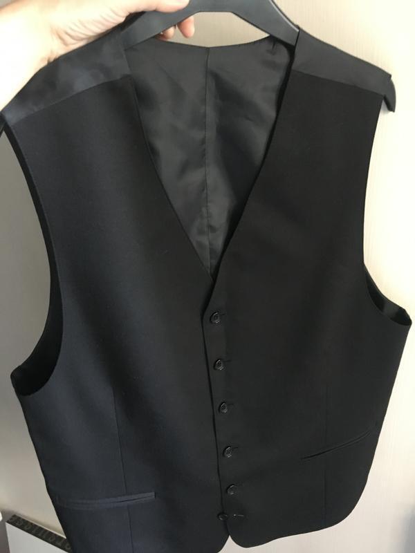 Классическая мужская жилетка костюмная чёрная - Фото 4