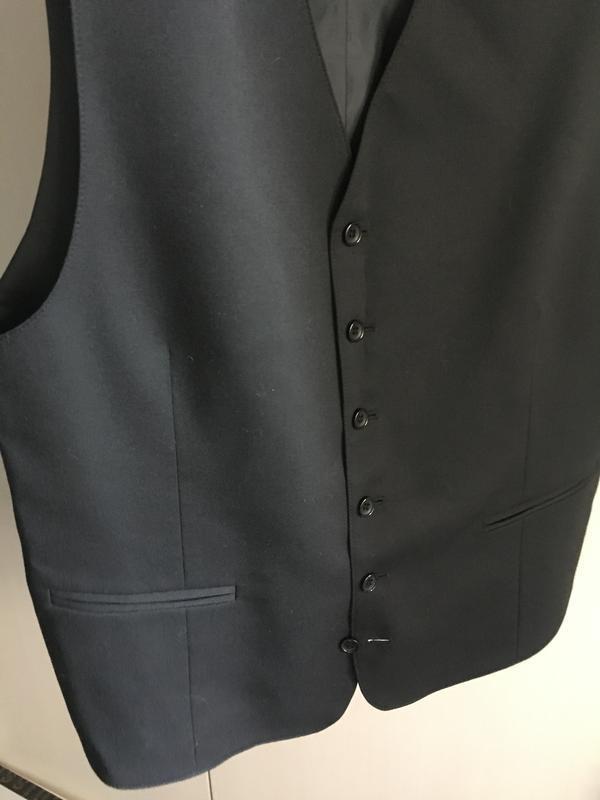 Классическая мужская жилетка костюмная чёрная - Фото 5