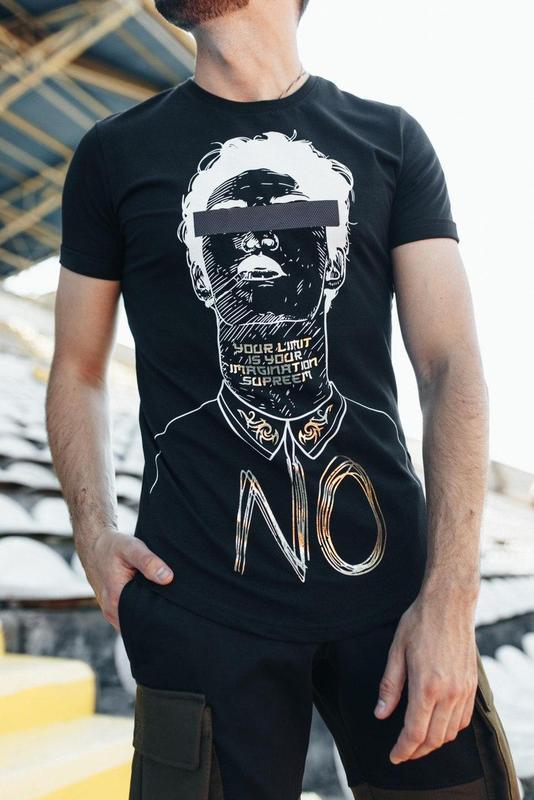Трендовая футболка унисекс черная с принтом мужская / женская
