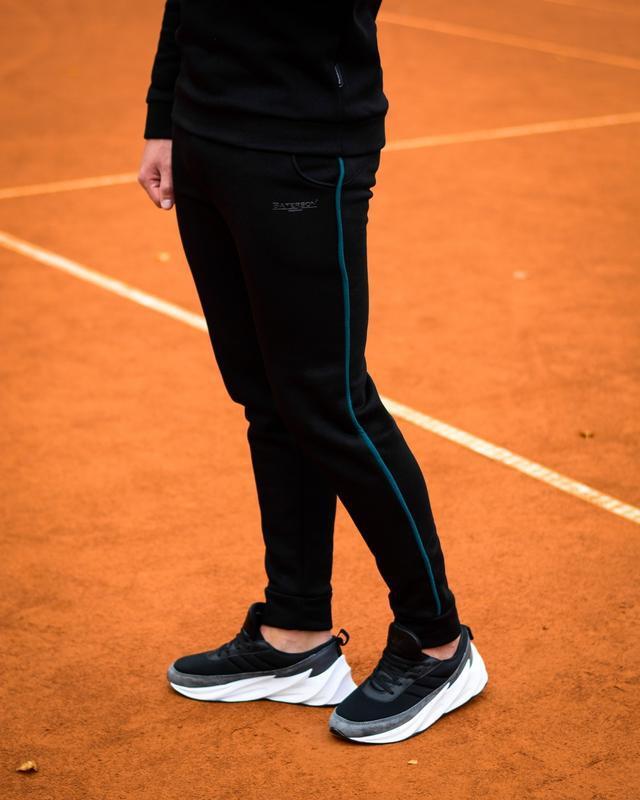 Теплые штаны мужские черные на флисе утепленные спортивные штаны