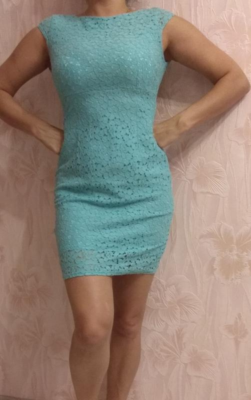 Красивое нарядное платье р. 42-44