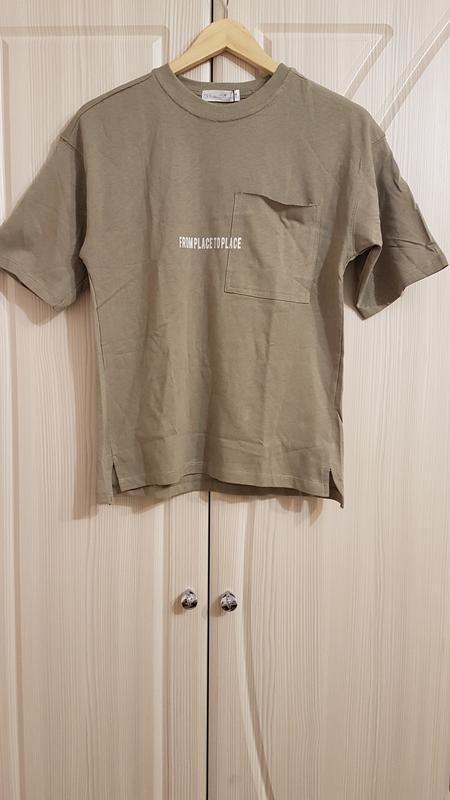 Стильная широкая футболка zara цвета хаки
