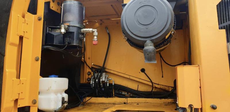 Экскаватор JCB JS290LC - Фото 10