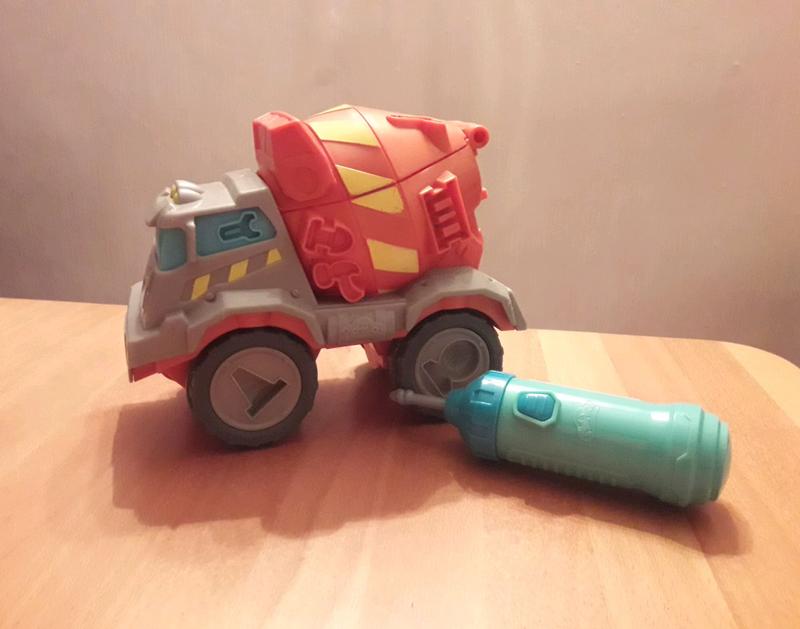 Набор для лепки пластилином Play Doh машина цементовоз и дрель