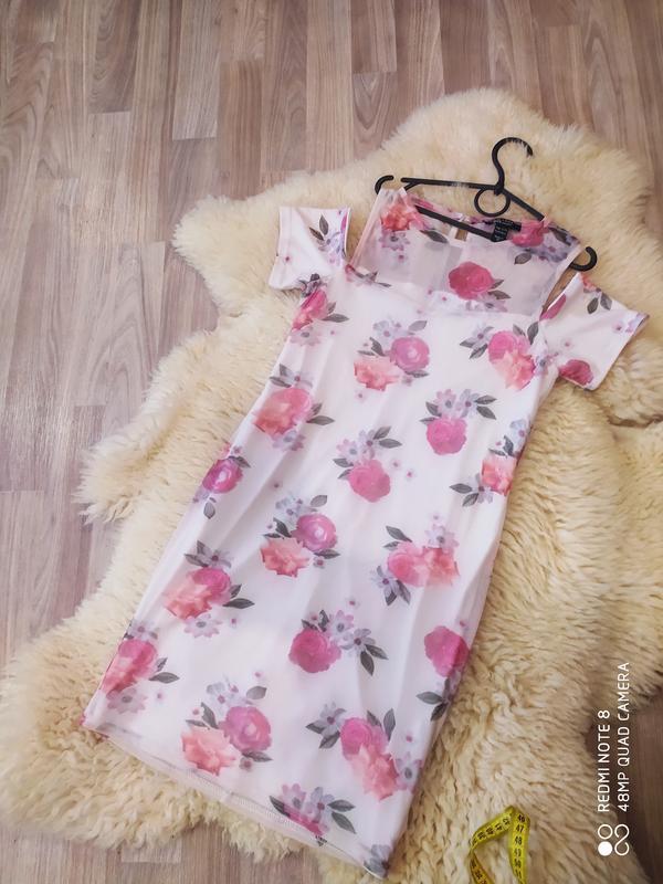 Платье с цветочным принтом ????????