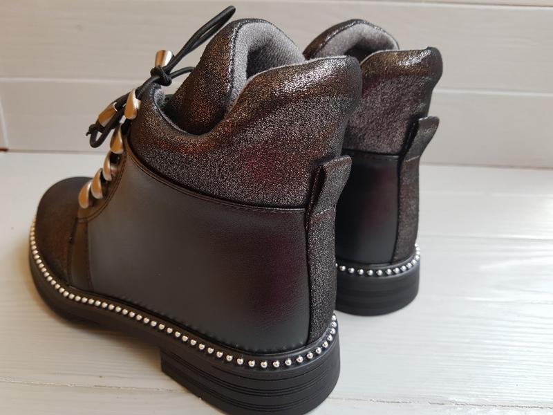 Блестящие легкие утепленные деми ботинки для девочки на флисе ... - Фото 7