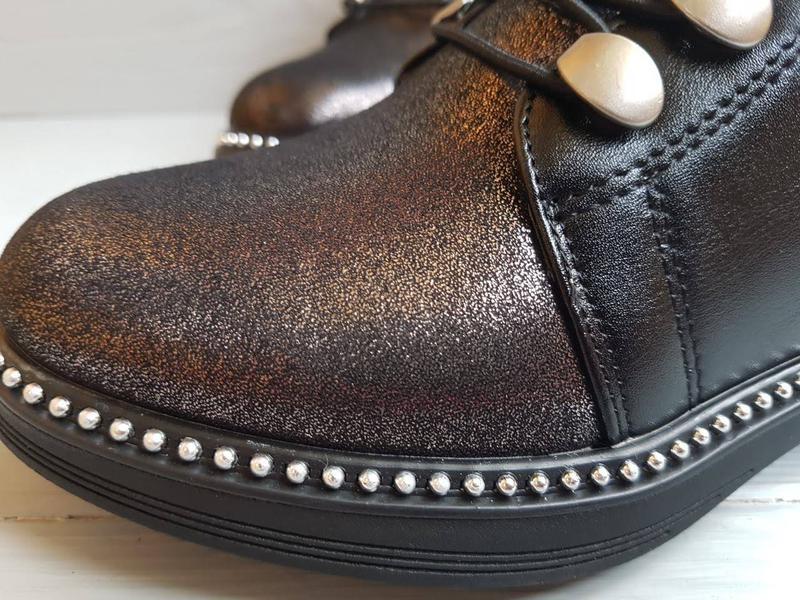 Блестящие легкие утепленные деми ботинки для девочки на флисе ... - Фото 10