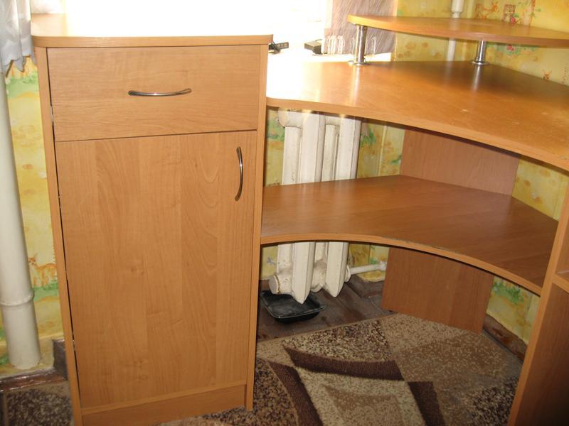 Угловой компьютерный стол 1185 х 1085 мм - Фото 5