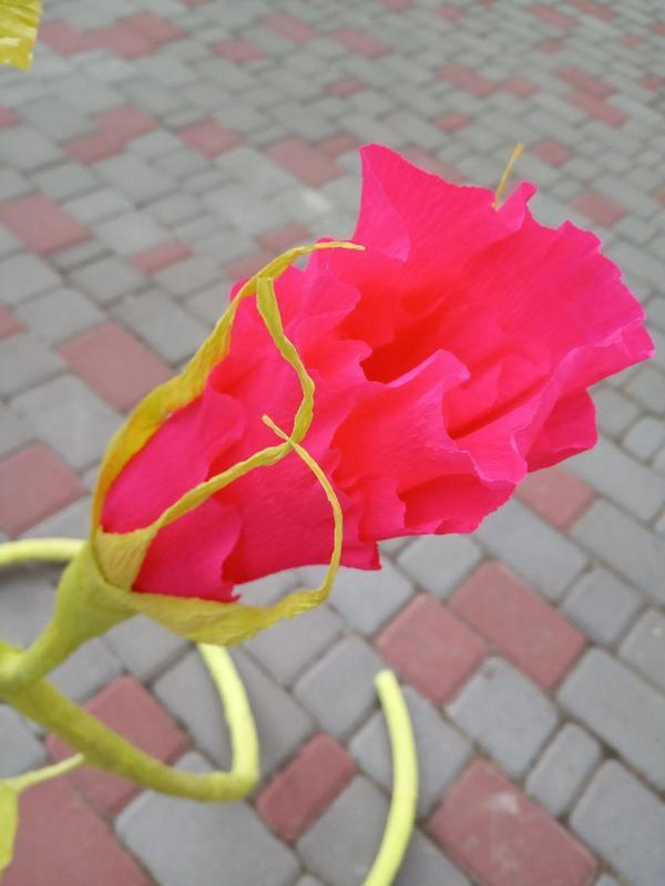 Цветок из гофрированной бумаги - Фото 3