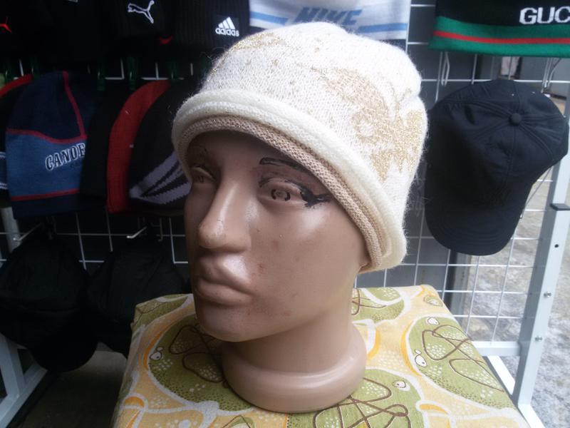 Женская шапка maxval
