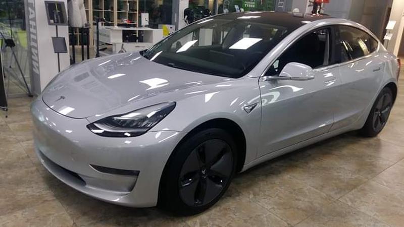 Tesla Model 3 - Фото 2