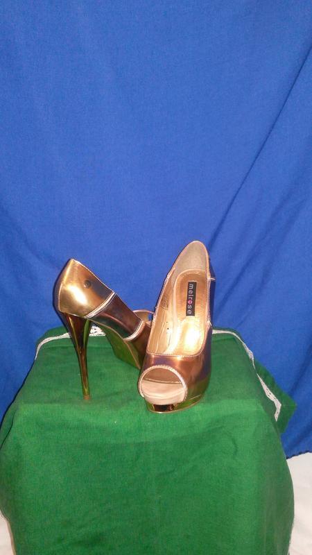 Супер классные золотые туфельки