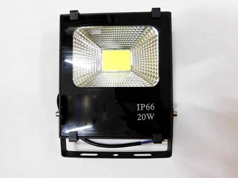 Светодиодный прожектор 20W/IP66