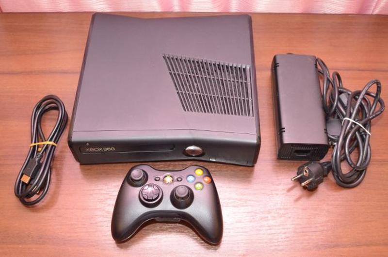 Xbox 360 Slim 250gb Freeboot + Игры