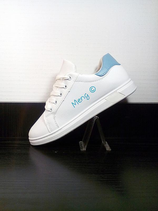 Женские белые кеды на платформе. на толстой подошве кроссовки