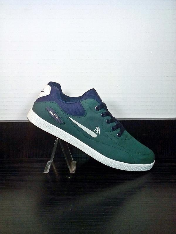 Спортивные кроссовки sayota. кеды легкие, для бега и тренировок.
