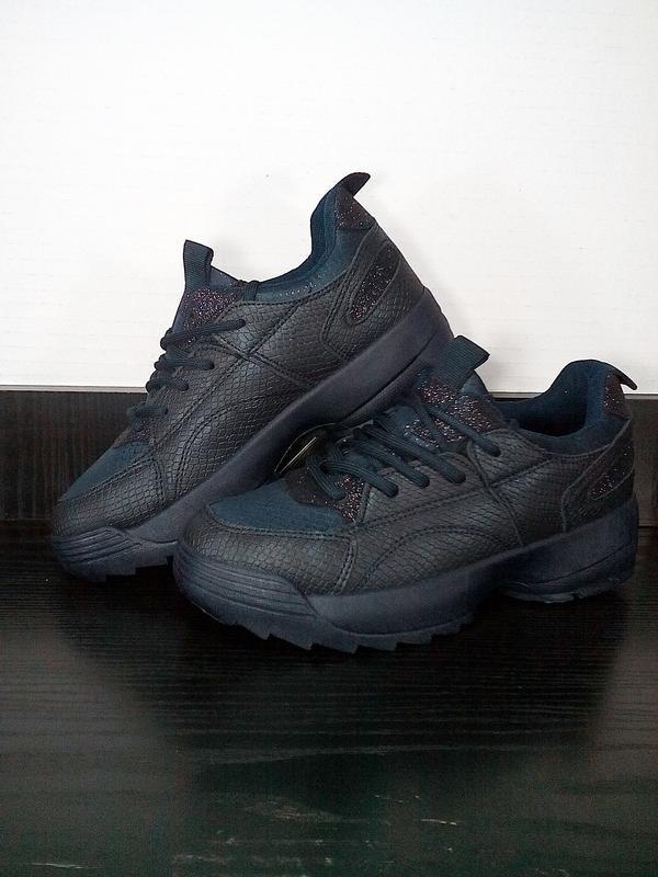 Спортивные женские кроссовки на платформе. на толстой подошве,...