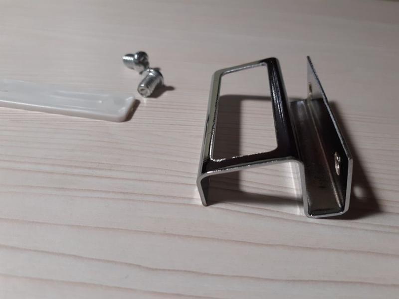 Мебельные ручки для стеклянных дверец.