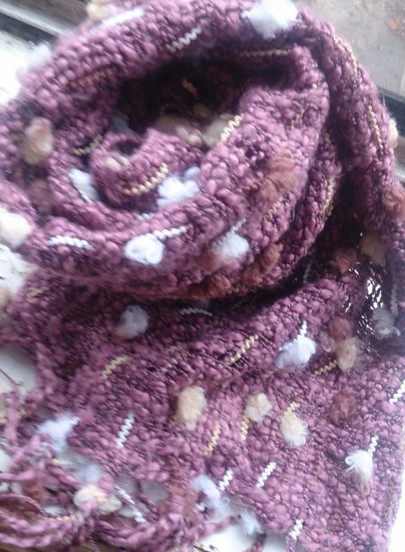 Стильний рожевий шарф