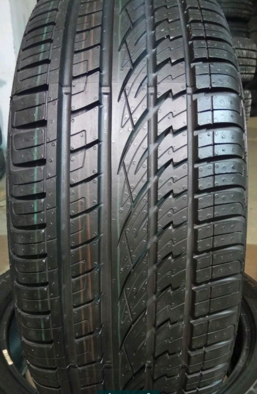 Пара 235/45 r19 Continental Cross Contact UHP