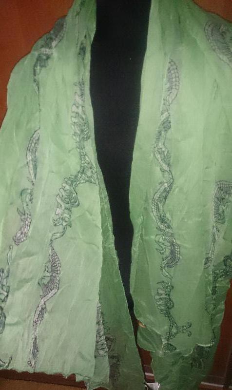 Стильний салатовий шарф antonio черепки